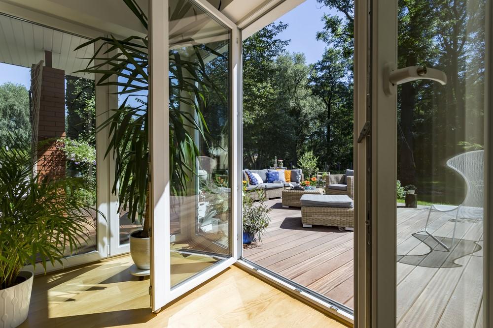3 bonnes raisons de construire une v randa toulouse. Black Bedroom Furniture Sets. Home Design Ideas