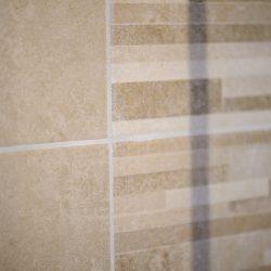 salle-de-bain-renovation-carrellage-mur-desin