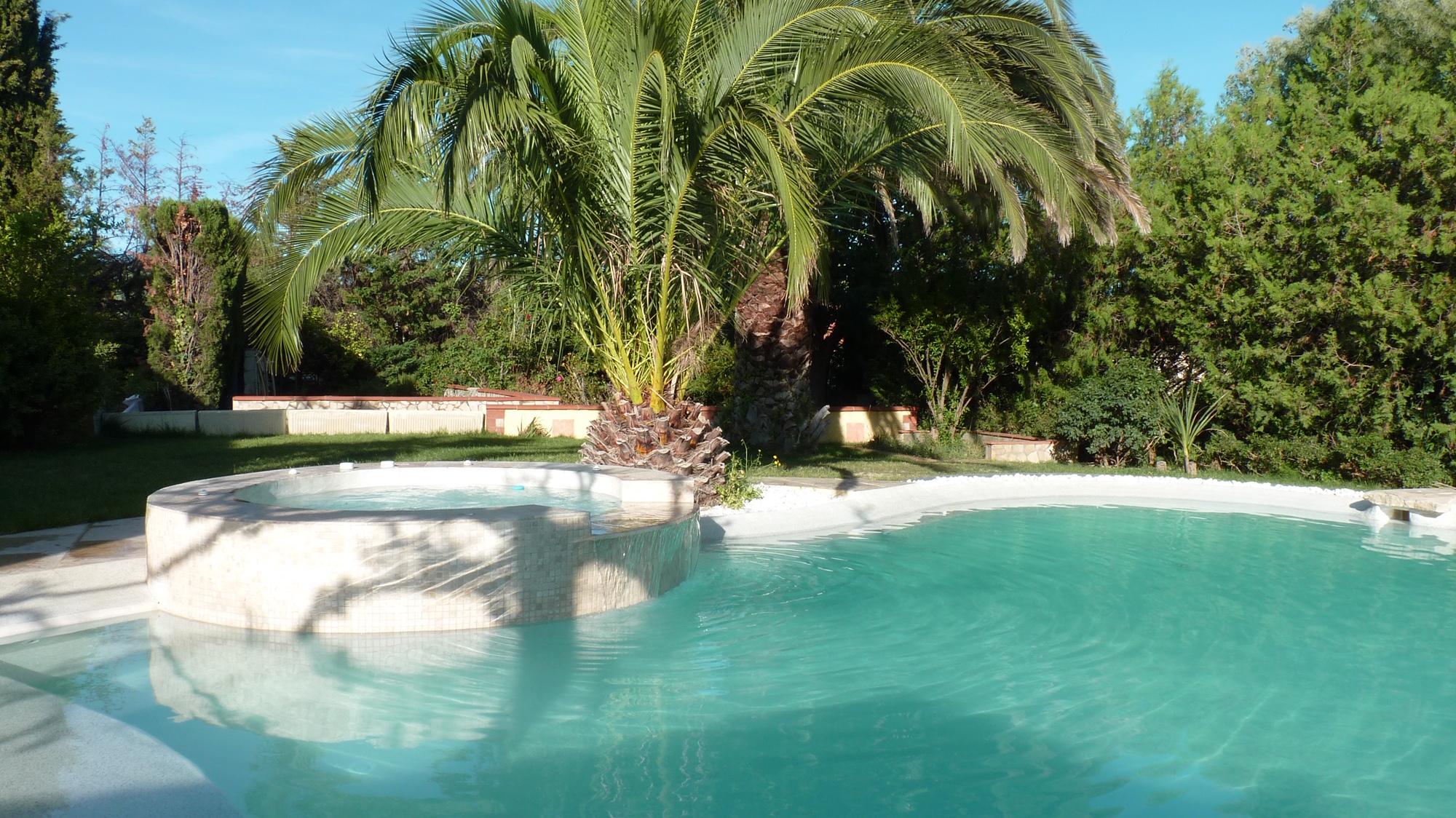 Faire Construire Une Piscine Intérieure pisciniste toulouse, construction de piscine sur mesure
