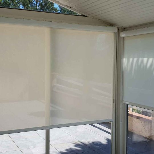 veranda-moderne-store-artisans-reno