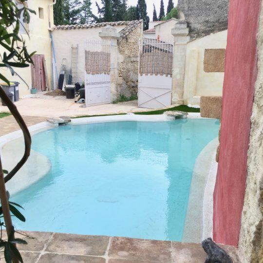 piscine-design-sur-mesure-beton-projete