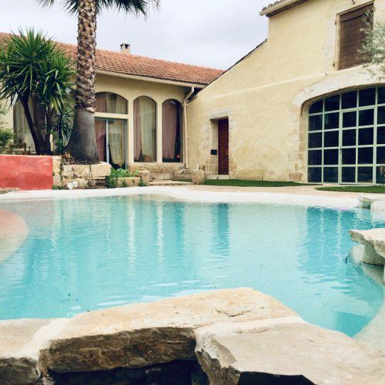 villa-piscine-sur-mesure-beton-projete-hdp-piscine