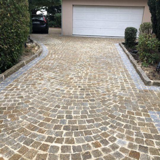 renovation-entree-maison-chemin-dalle-artisans-reno