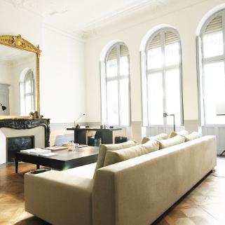 salon-ancien-canapé-moderne